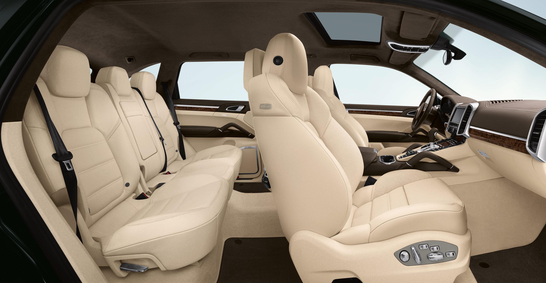 2011 cayenne turbo porsche mania for Interieur 928