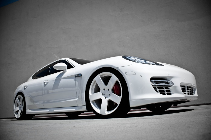Rob Dyrdek's car - white Porsche Panamera Turbo